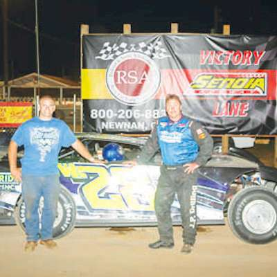 Smith wins twice at Senoia