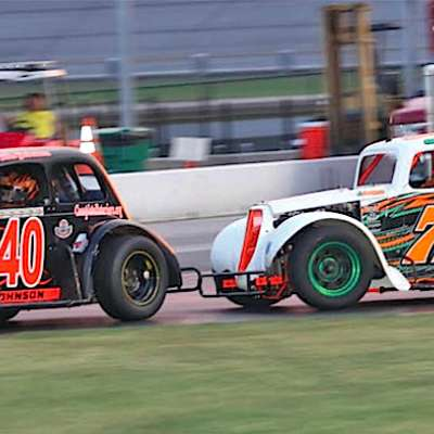 Wild action ensues in Thunder's Semi-Pro race