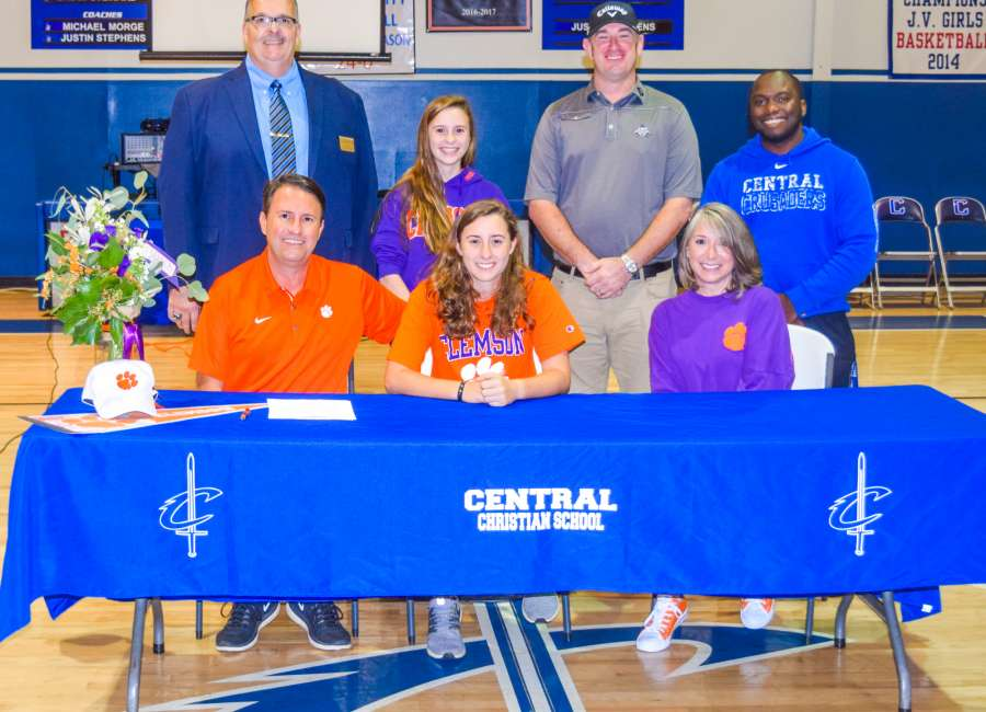 Central's Shepherd signs golf scholarship to Clemson