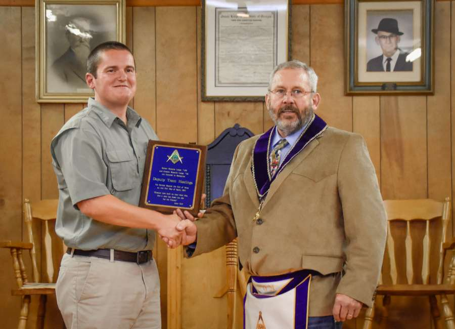 Deputy honored for lifesaving gesture