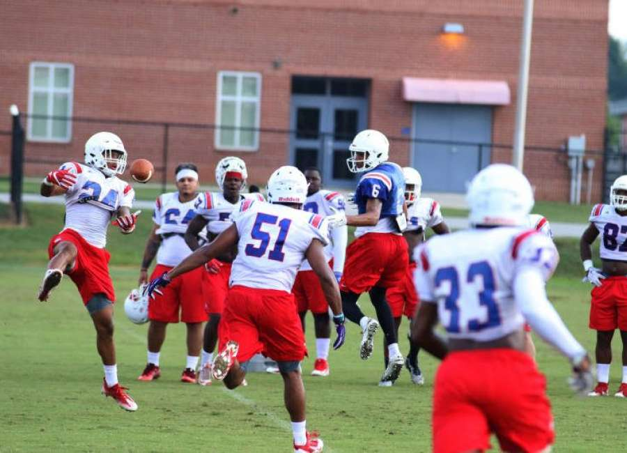 Four UWG Wolves named to Gulf South Conference football team