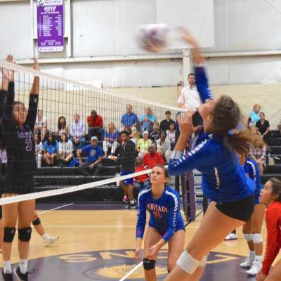 Lady Hawks sweep Trinity on the road