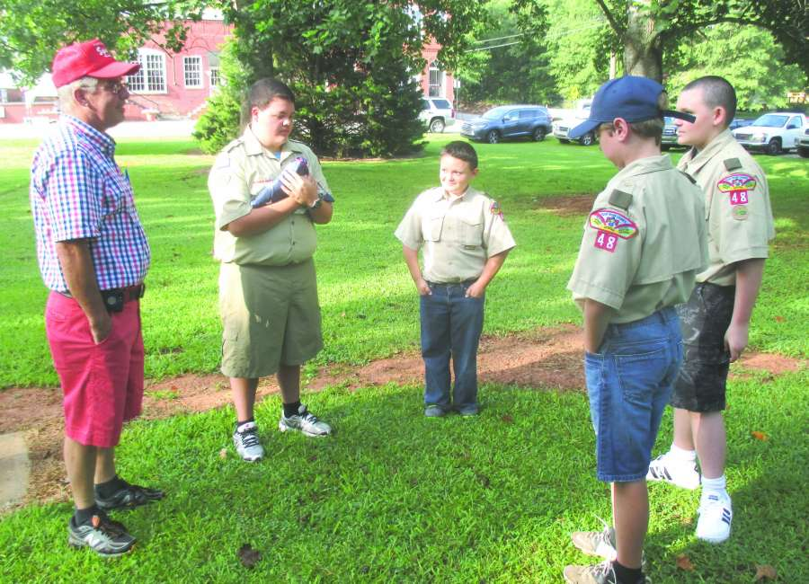 Mayor Pro-tem meets with Scouts