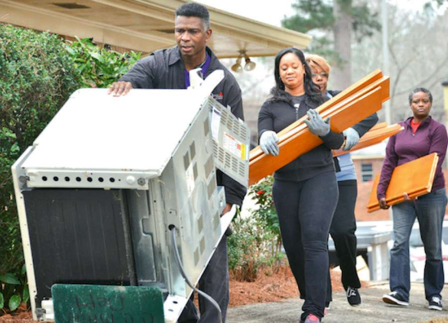 MLK Outreach Helps One Roof, Christian City