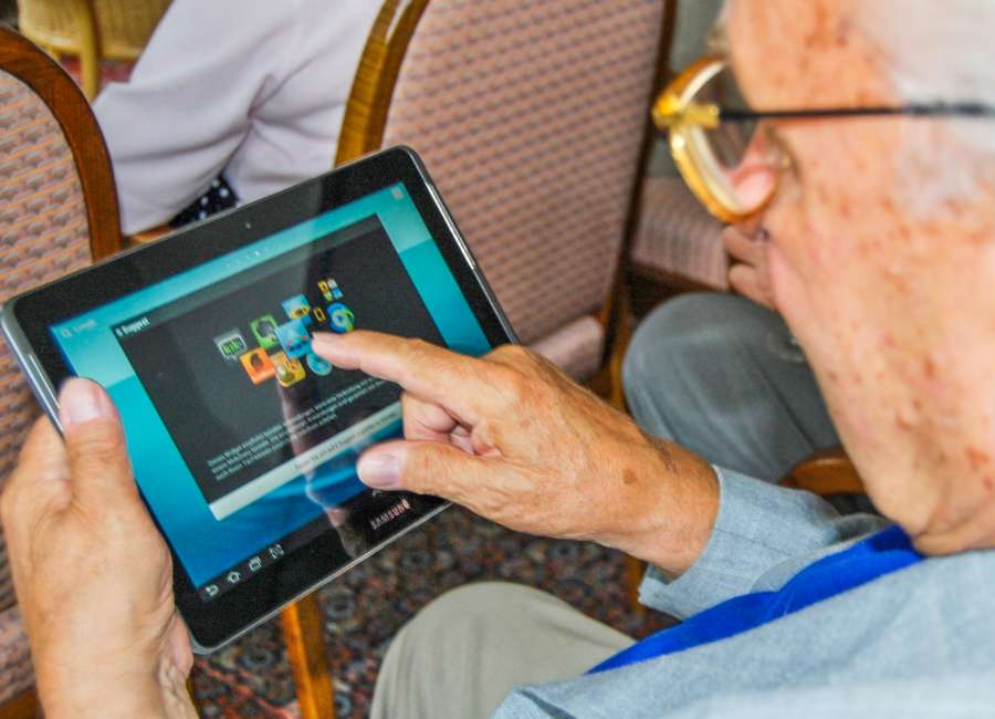 More seniors using Facebook and social media sites
