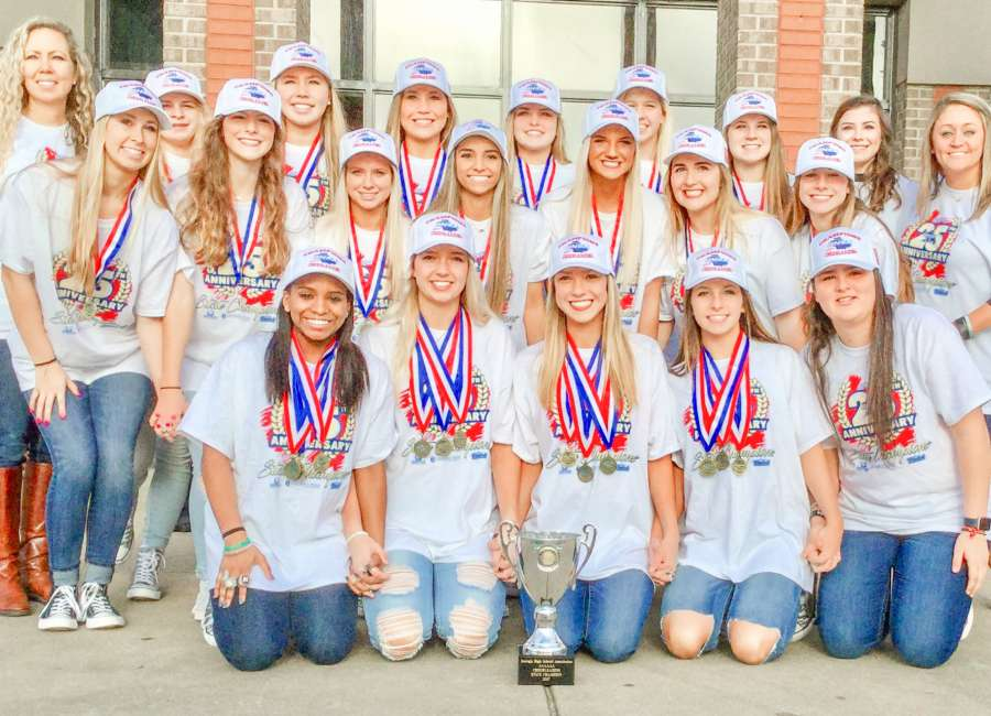 Northgate cheerleaders three-peat state title
