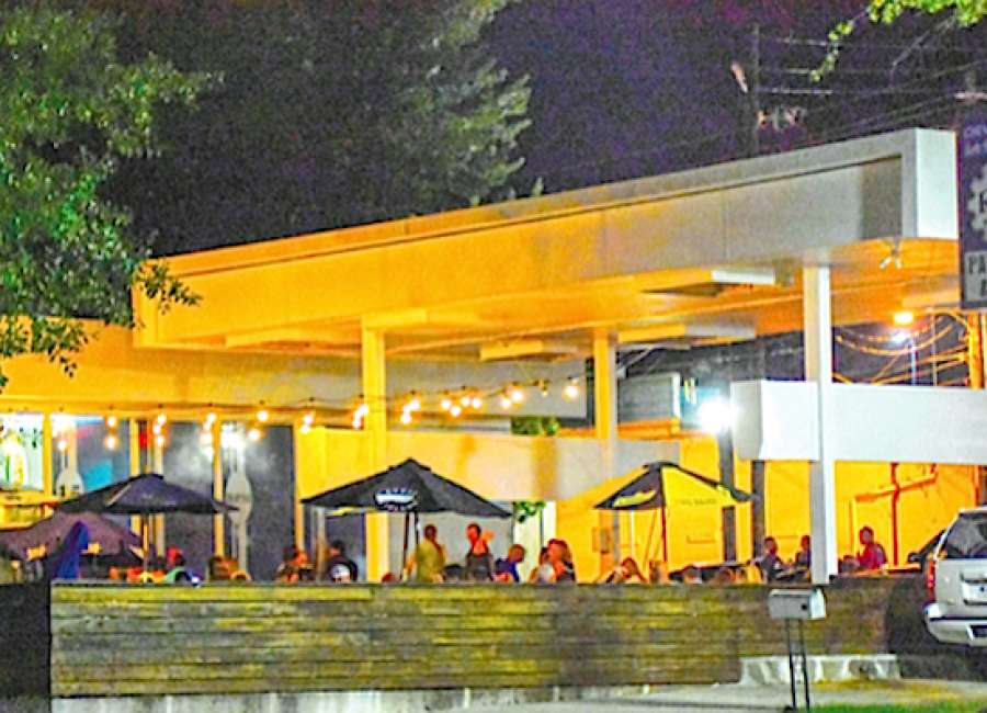 Outdoor bars prompt look at noise laws