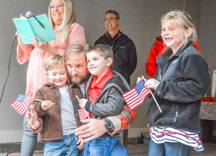 Veteran gets keys to new home