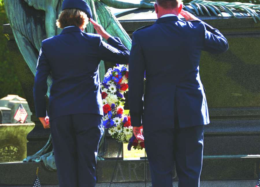 Wreath presented at Arthur's grave