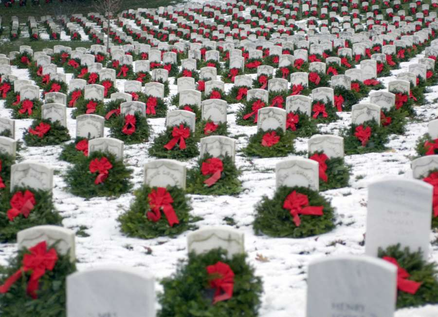 Omnitracs donates $25k to Wreaths Across America