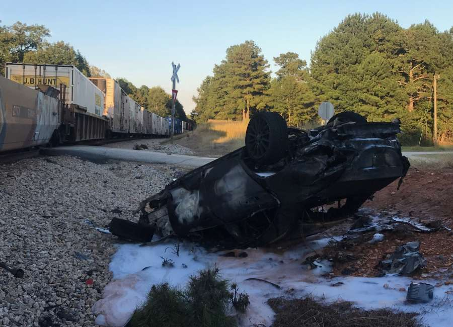 1 hurt in train collision