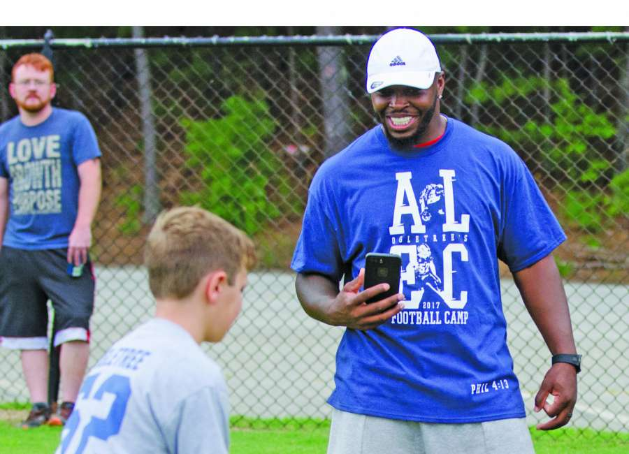 Alec Ogletree to hold annual camp Saturday