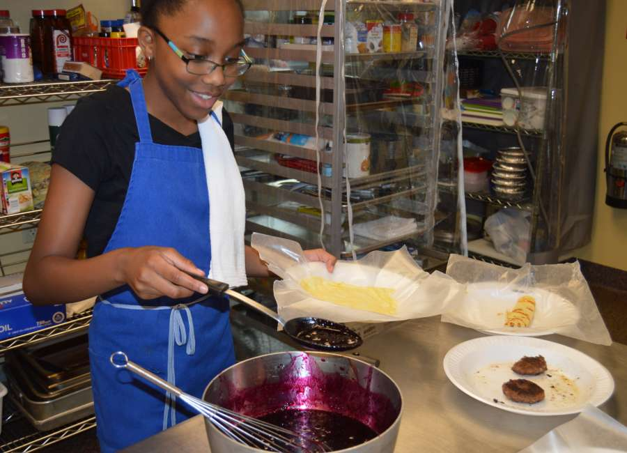 Camp turns youths into top-notch chefs