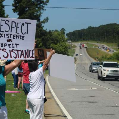 Locals protest 'zero tolerance' immigration policy