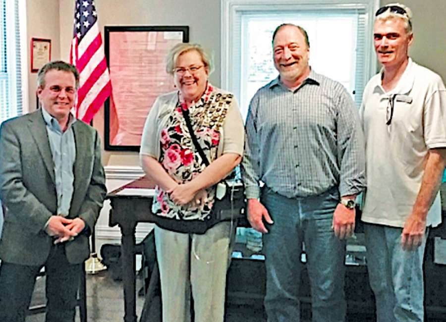 DAR gives $10,000 to Senoia history museum