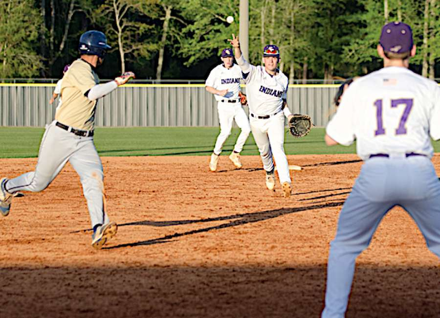 ECHS wins final game between Indians, Wildcats with less drama