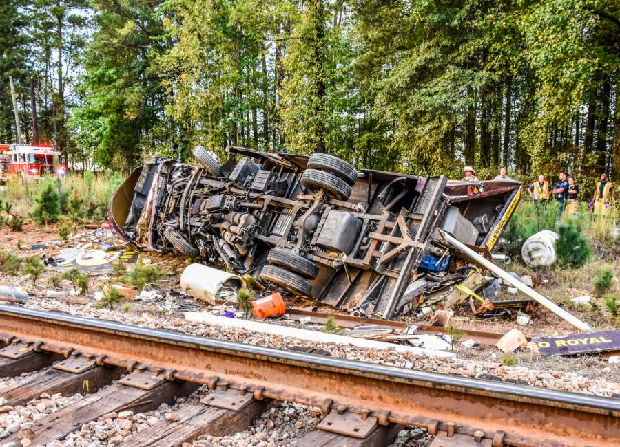 Man killed when train collides with truck - The Newnan Times