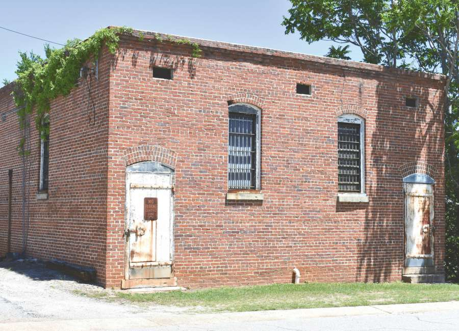 Old city jail eyed as possible site for commercial venture
