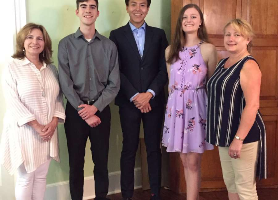 Old Town Garden Club awards scholarships