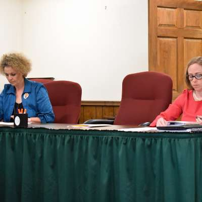 School board incumbents look to stay seated