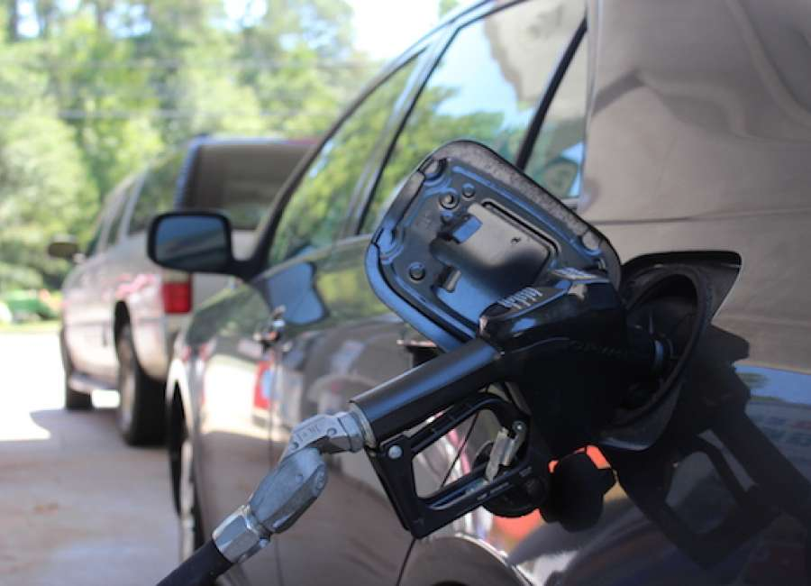 Labor Day gas prices expected to reach three-year low