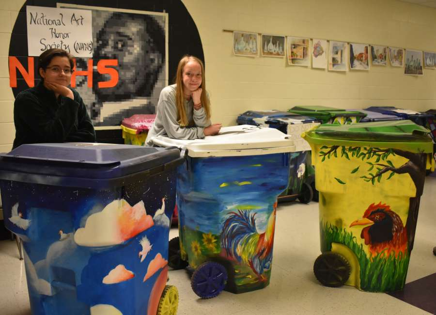 East Coweta High School students contribute to Wadsworth Alley