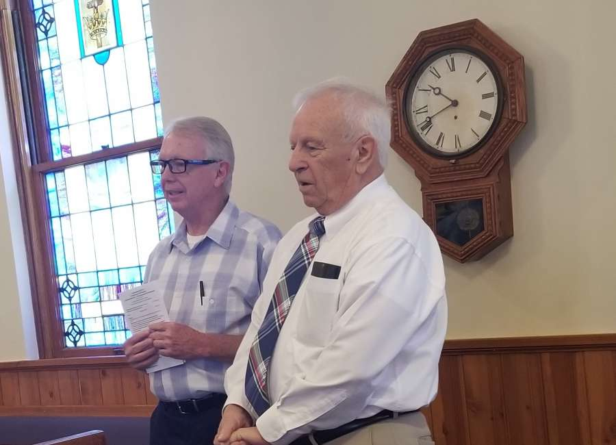 Former pastor preaches at LUMC