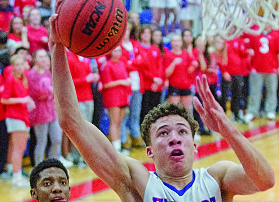 Hawks left empty-handed in one-point loss to Holy Spirit