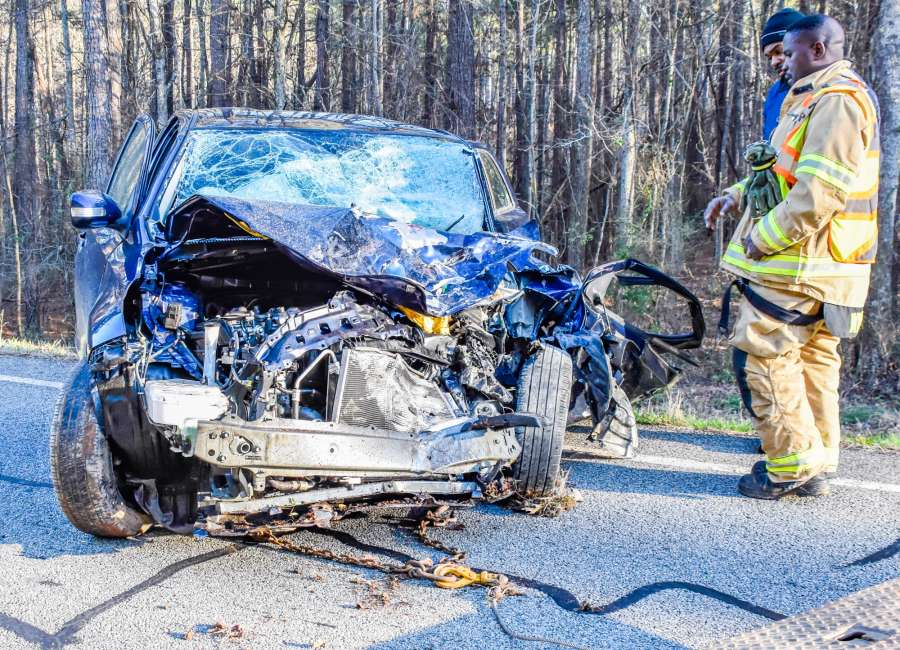 Three injured in head-on crash