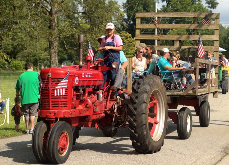 Turin tractor parade celebrates 25 years Saturday