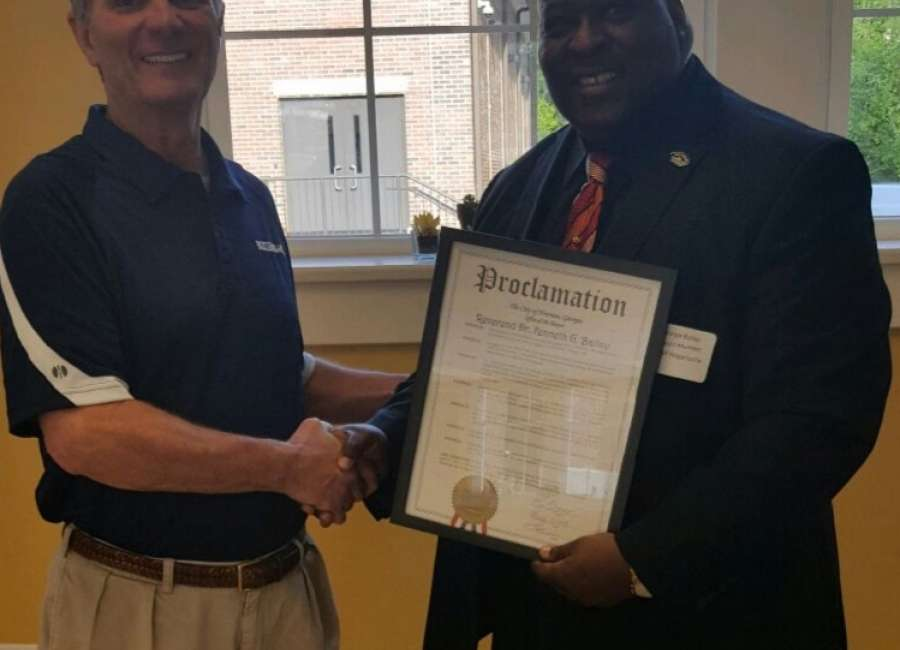 White Oak Grove pastor honored with proclamation